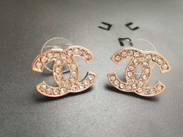 Piękne Kolczyki Chanel