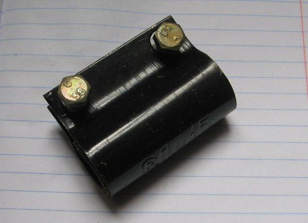Хомут Ду15 (длина 65 мм, стальной, на болтах, новый)