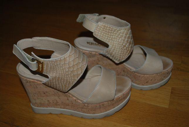 włoskie sandały na koturnie IGI CO rozmiar 35