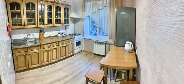 Двухкомнатная квартира Голосеевский район рядом с парком (лесом)