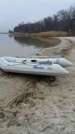 Продам лодку Adventure-320 2014г.в.