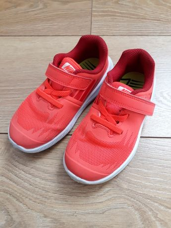Nike Star Runner rozm. 26