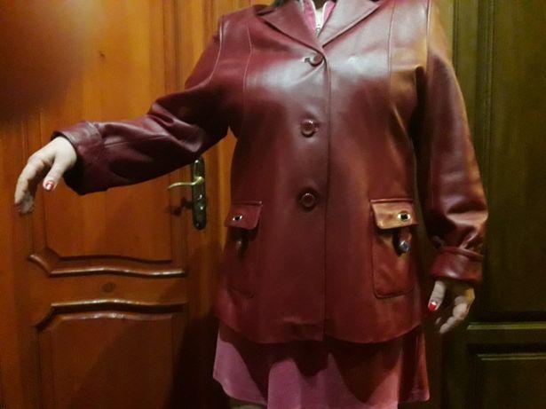 Продам куртку кожаную женскую красного цвета