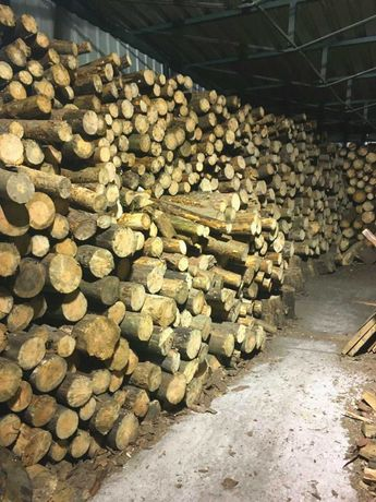 Дрова ДУБ СОСНА рубанные колотые в бревнах с доставкой Киев и область