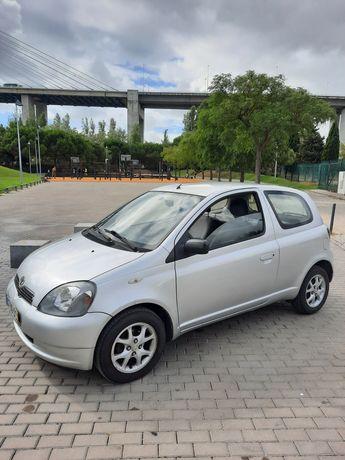 Toyota Yaris comercial