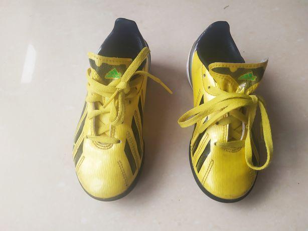 Sprzedam buciki piłkarskie firmy adidas!