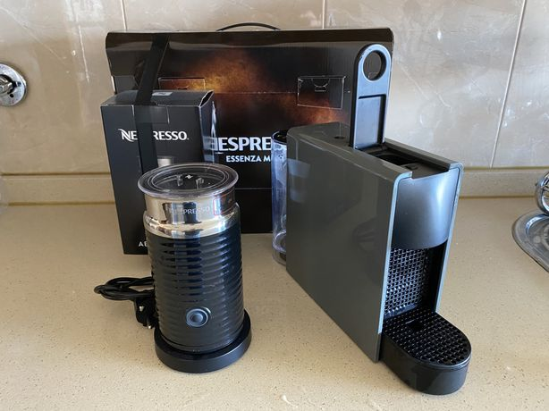 Pack Essenza Mini Nespresso Intense Grey C30 + Aeroccino 3 Black