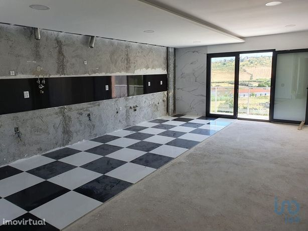 Apartamento - 163 m² - T3