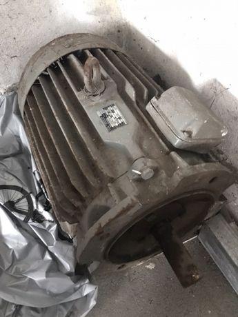 Silnik 17 kW kołnierzowy