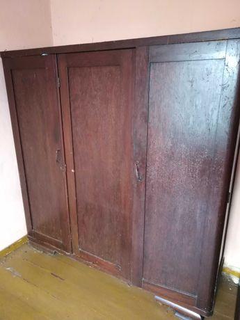 Sprzedam  starą szafę drewnianą, retro, vintage :)