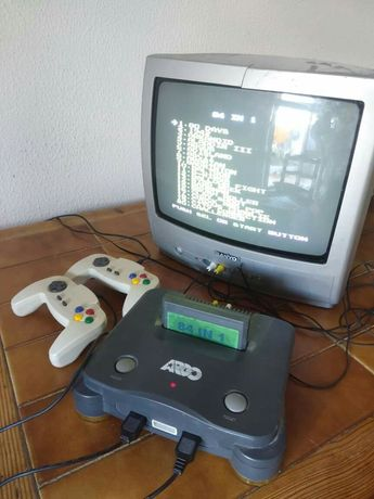 Consola de jogos com 84 jogos+ televisão