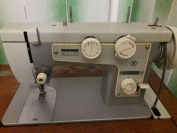 Машинка швейная-тумба
