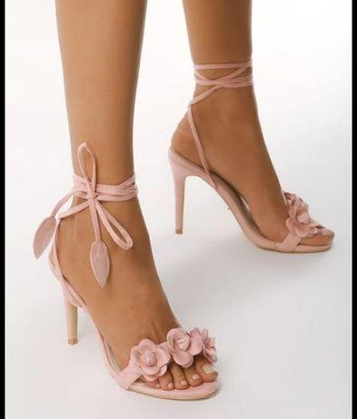 Wiązane sandałki subtelne pudrowy róż
