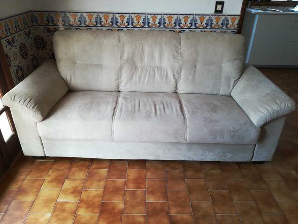 Sofá para 3 pessoas, quase novo!