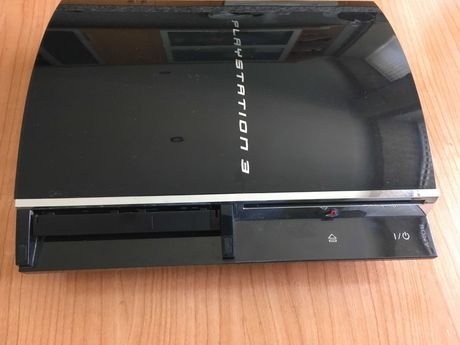 PS3 60GB 1ª versão retro-compatível com PS1 e PS2