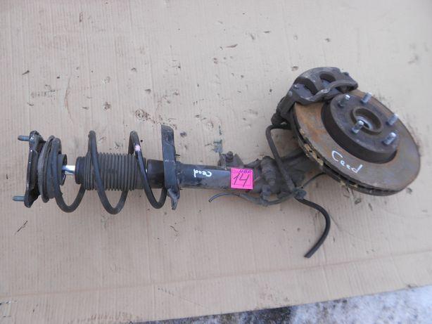Kia Ceed 06- поворотный кулак передний левый амортизатор цапфа стойка