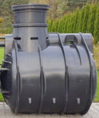 Szambo, zbiornik oczyszczalni drenażowej 2000L dla 4 osób