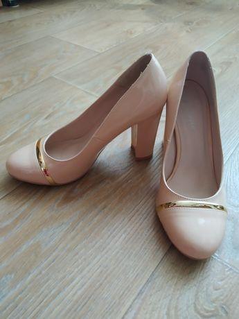Туфлі жіночі лакові 36-37