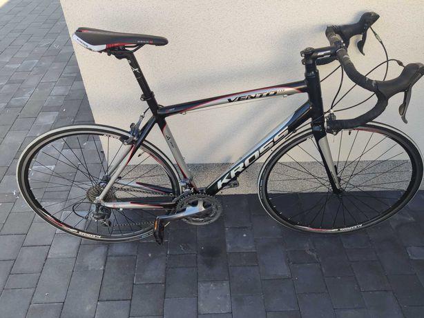 Rower Szosowy KROSS Vento 1.0 Rama L
