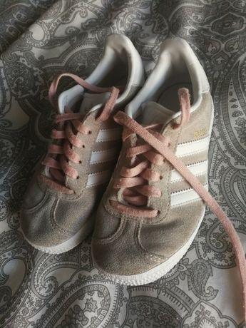 Ténis Gazelle Adidas n30