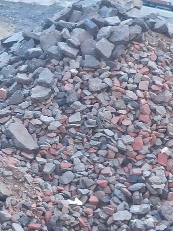 Oddam przekrusz betonowy z asfaltem