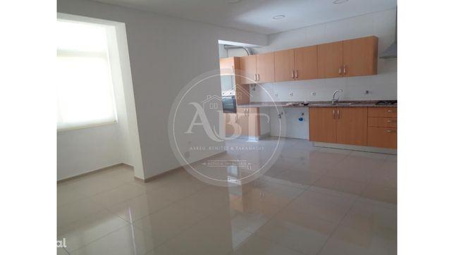 Apartamento T2 em Almada