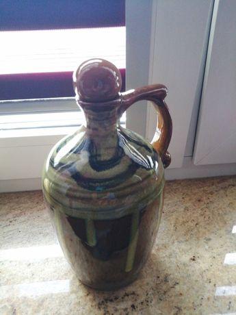 Bukłak ceramiczny na wino.