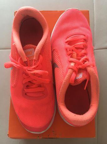 Tenis da nike rosa