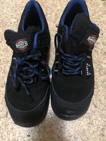 Робочі кросівки 40