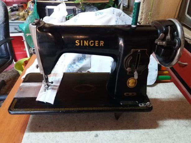 Máquina de Costura Singer 15B