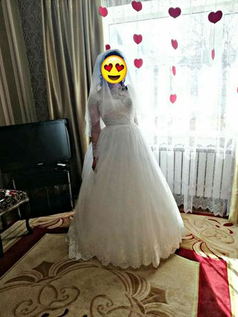 Свадебное платье, А-силует, платье со шлейфом