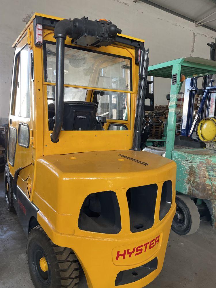 Empilhador HYSTER diesel de 3500 kgrs cabinado
