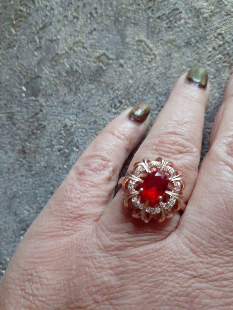 Кольцо серебряное с позолотой'