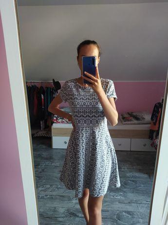 Czarno-biała sukienka