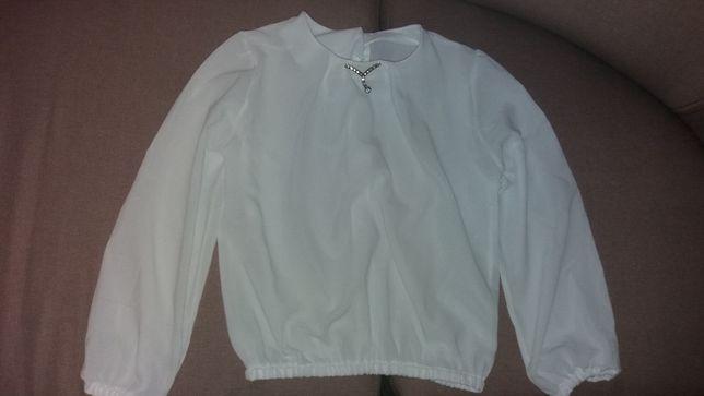 Продам школьную блузку на девочку 7-10лет в идеальном состоянии