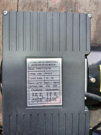 Silnik 2.8 kw 230v