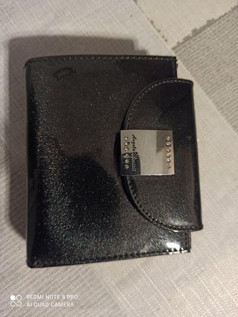 Sprzedam portfel ze skory nowy