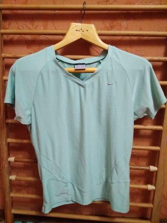 Крута футболка Nike