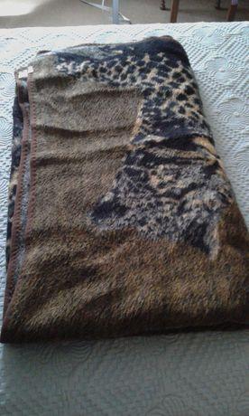 Cobertor cama de casal. Novo