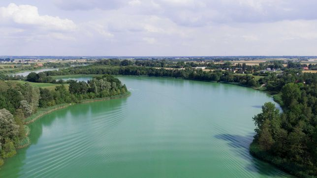 Działka 1500m2 nad jeziorem + współwłasność plaży przy jeziorze