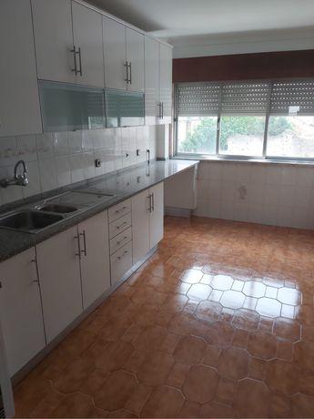 Apartamento t2 em Queluz