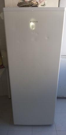 Arca congeladora vertical  e frigorífico