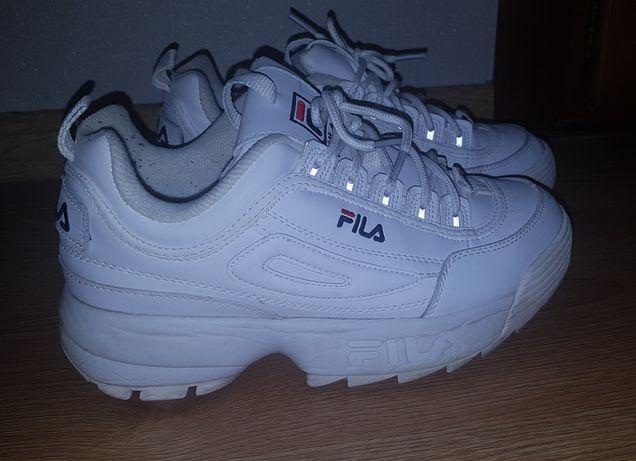 Кроссовки Fila      .