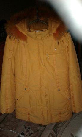 Жіноча куртка осіння - зимова