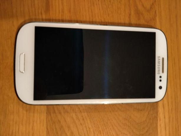 3 telefony: Samsung Galaxy S3 oraz GT-S 5300 i LG D405N