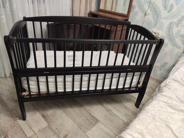 Детская кроватка-маятник/детская мебель(В подарок матрасик)