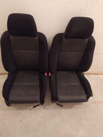 Fotele Subaru Impreza