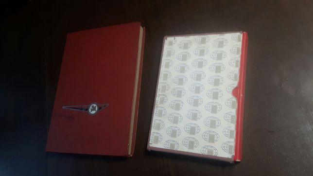 Dwa duże, stare klasery ze znaczkami. Polskie i zagraniczne.