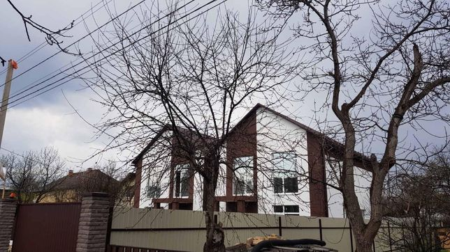 Продається  Будинок в Києві на Осокорках
