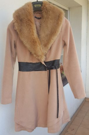 Płaszcz Mohito XS okazja modny kolor